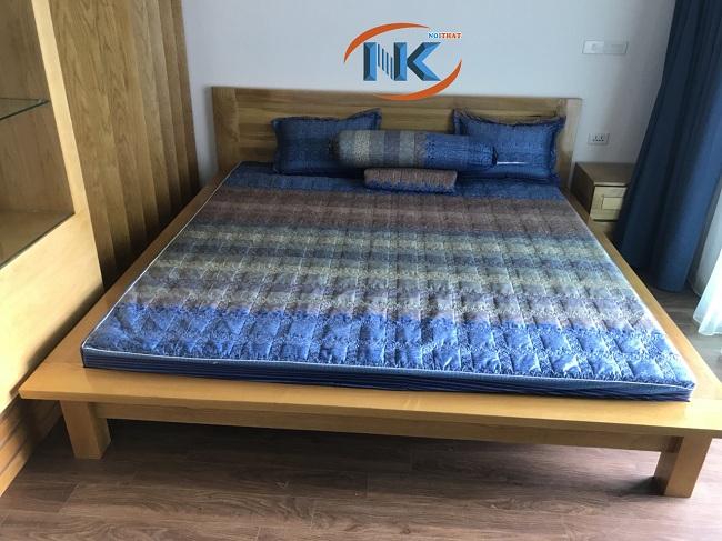 Giường ngủ với thiết kế khỏe khoắn, đường nét cân đối hài hòa