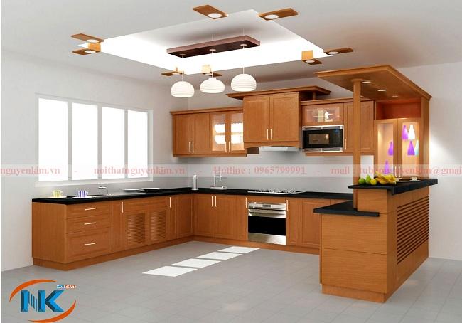 Mẫu tủ bếp gỗ xoan đào này rất hiện đại với phong cách thiết kế đơn giản về đường nét