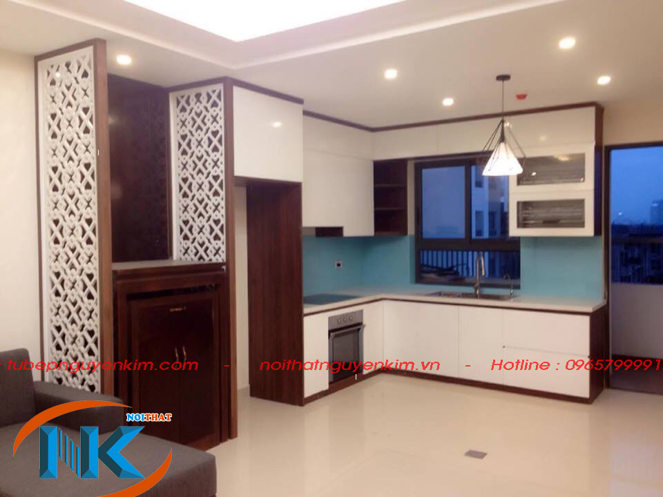 Mẫu tủ bếp acrylic nhỏ xinh cho căn hộ chung cư