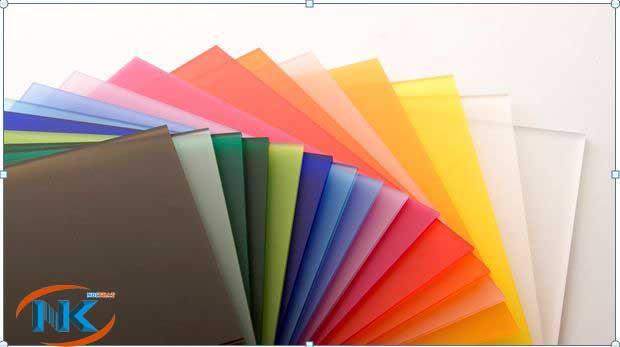 Màu sắc bề mặt acrylic vô cùng đa dạng, phong phú