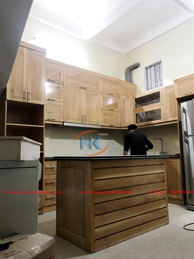Tủ bếp với phần bàn đảo soạn đồ khi hoàn thành