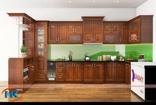 Đây là một mẫu tủ bếp gỗ sồi nga chữ L hiện đại, thiết kế theo ý thích của khách hàng.
