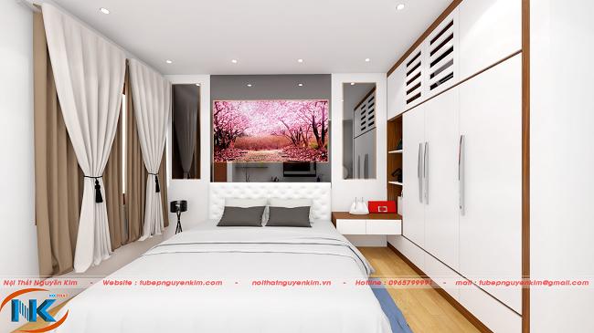 Khi nhìn gần, phòng ngủ đẹp nhẹ nhàng trong không gian chung nổi bật của màu trắng