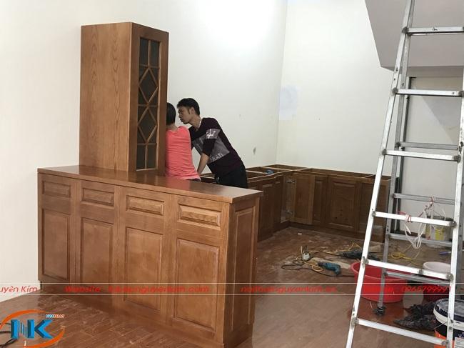 Đóng tủ bếp gỗ sồi nga tại nhà anh Kiên, thành phố Bắc Giang