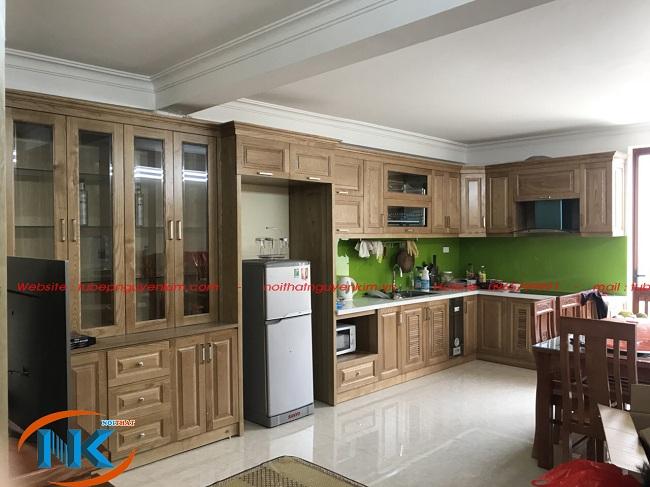Hình ảnh tủ bếp gỗ sồi nga chữ L Nguyễn Kim thi công nhà chị Hoa, Thanh Trì, Hà Nội