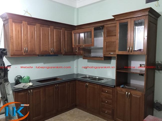 Tủ bếp xoan đào nhà chị Yến, Cầu Giấy, Hà Nội đã thi công xong