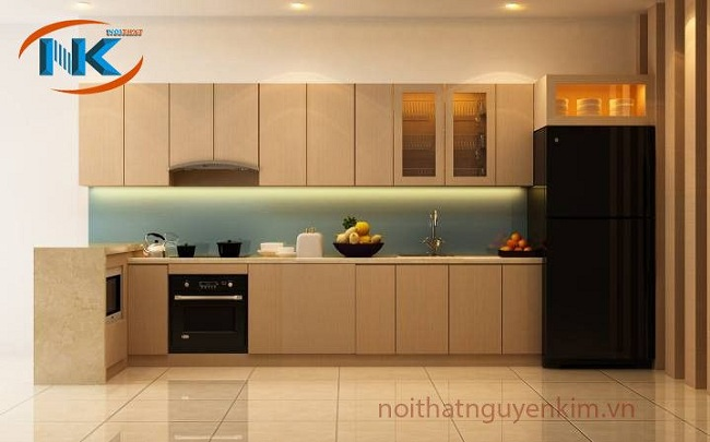 Màu sắc nhẹ nhàng, đường nét thiết kế hiện đại là đặc trưng của tủ bếp laminate theo phong cách hiện đại