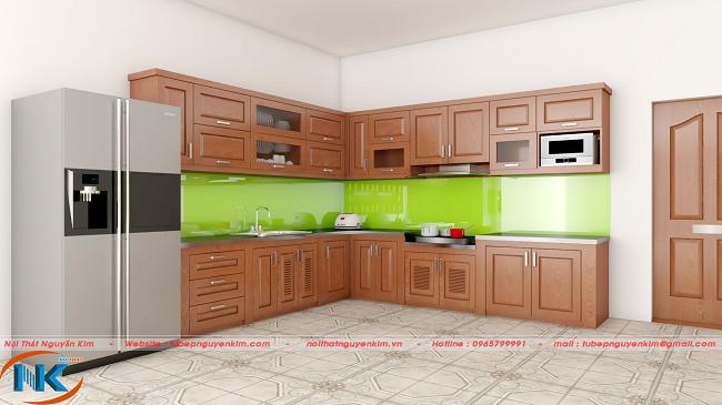 Mẫu tủ bếp gỗ xoan đào được nhiều gia đình yêu thích, tin dùng bởi màu cánh gián đẹp, độ bền cao