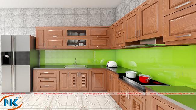 Tủ bếp gỗ xoan đào hiện đại chữ L mang đến không gian bếp thông thoáng, có chiều sâu