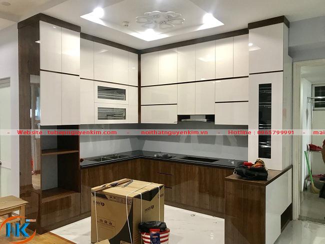 Hình ảnh tủ bếp acrylic Nguyễn Kim bàn giao cho gia đình anh Hiếu