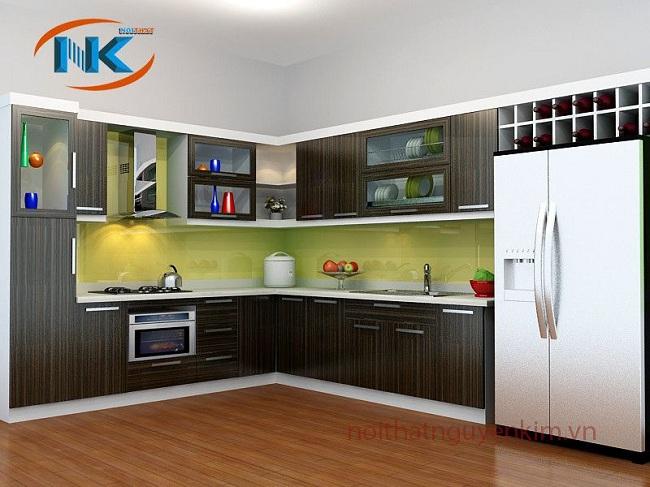 Tủ bếp gỗ laminate bền đẹp, không trầy xước, cong vênh hiện đại được sử dụng phổ biến sau acrylic