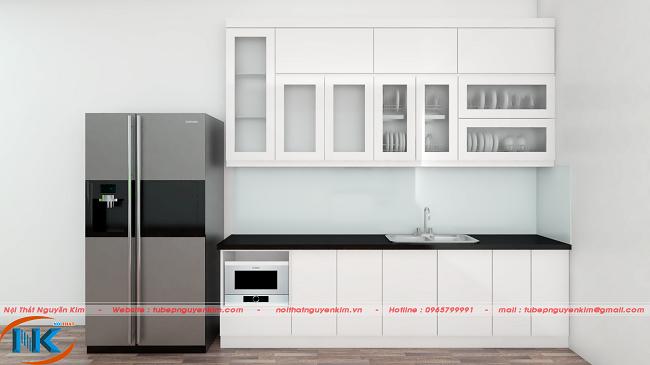 Tủ bếp acrylic thẳng màu trắng bóng gương nhà cô Hanh, Hoàng Mai, Hà Nội