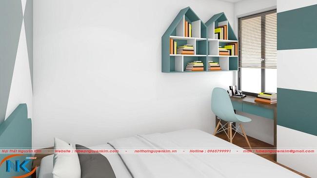 Góc học tập của các con khá ấn tượng, lôi cuốn bởi thiết kế độc đáo của giá sách treo tường
