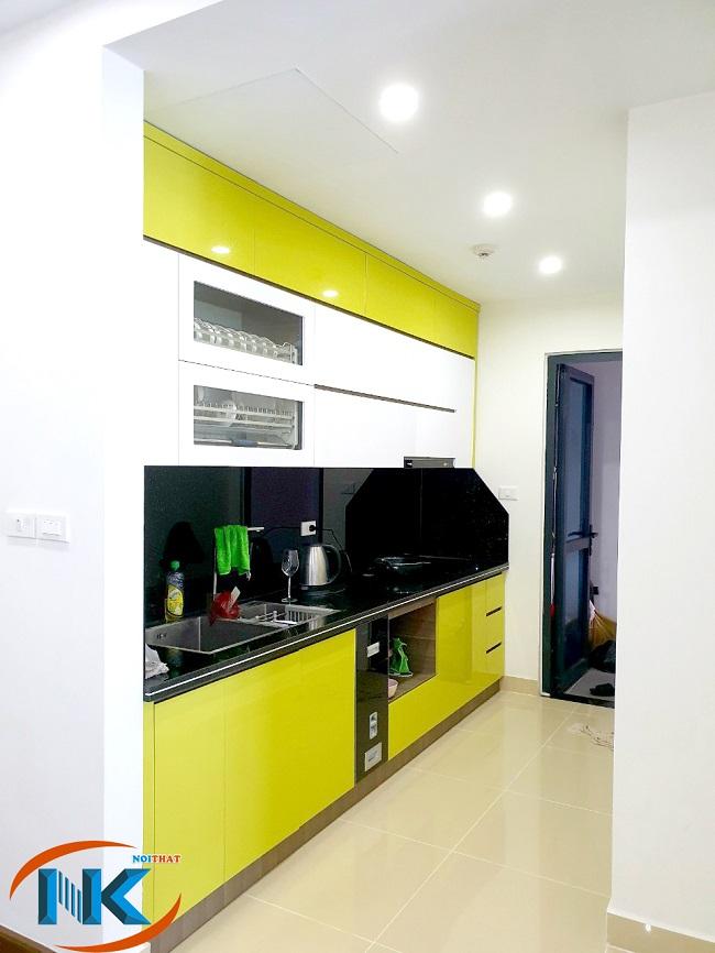 Hình ảnh tủ bếp sau khi đi vào sử dụng, rất hiện đại và gọn gàng, ngăn nắp