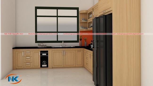 Bất kể góc nhìn nào căn bếp đẹp tự nhiên, không gian bếp tươi sáng bởi màu vàng đặc trưng gỗ sồi