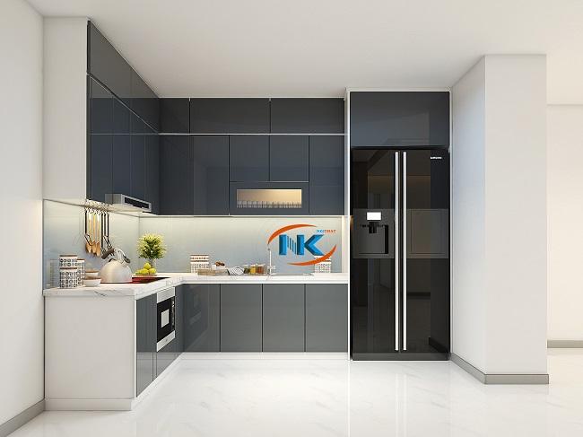 Màu xám tạo nên vẻ sang trọng, bền màu cho mẫu tủ bếp acrylic chữ L kịch trần này