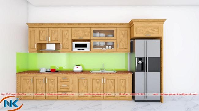 Màu vàng tươi cùng vân gỗ đẹp là đặc điểm chính nhận biết tủ bếp bằng gỗ sồi