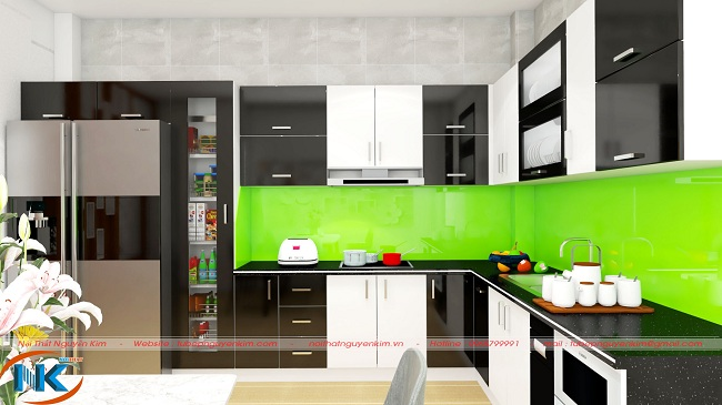Mẫu tủ bếp acrylic kết hợp màu đen và trắng bóng gương vô cùng sang trọng, ấn tượng