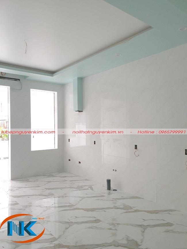 Khu vực phòng bếp trước khi thi công tủ bếp nhà chị Hòa