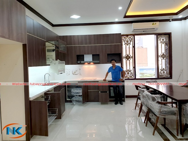 Bộ tủ bếp laminate Nguyễn Kim thi công full phụ kiện thiết bị nhập khẩu Châu Âu cao cấp