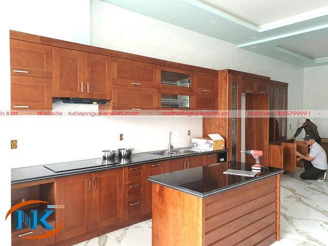 Một số hình ảnh ghi lại quá trình thi công tủ bếp gia đình chị Hòa